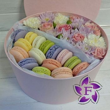 Flowers and Macarons to buy