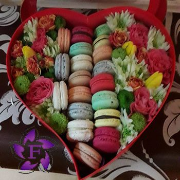 Flowers and Macarons to order in Odessa