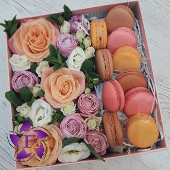 Flowers with Macarons to order
