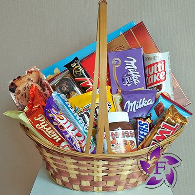 Order a basket of sweets