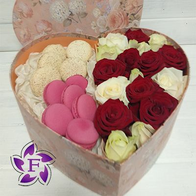 Roses and Macarons in the box heart