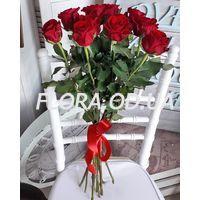 Букет з 11 червоних троянд 70 см - Фото 2
