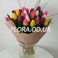Букет з 29 різнокольорових тюльпанів - Фото 2