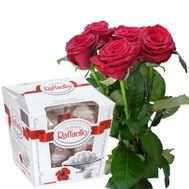 """5 roses and Raffaello"" in the online flower shop flora.od.ua"