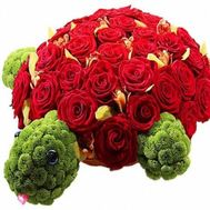 """Turtle from flowers"" in the online flower shop flora.od.ua"