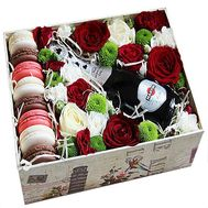 """Flowers with champagne and Macarons"" in the online flower shop flora.od.ua"