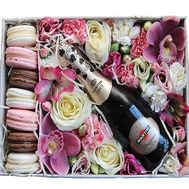 Flowers, champagne and Macarons in a box - flowers and bouquets on flora.od.ua