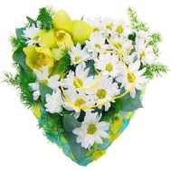 Composition in the form of heart - flowers and bouquets on flora.od.ua