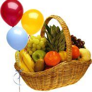 Корзина фруктов с шариками - цветы и букеты на flora.od.ua