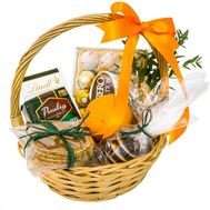 Gift basket of sweets - flowers and bouquets on flora.od.ua
