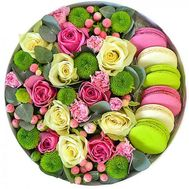 """Roses in a Box with Macarons"" in the online flower shop flora.od.ua"