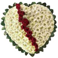 Heart of chrysanthemums and roses - flowers and bouquets on flora.od.ua