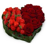 Heart of roses and strawberries - flowers and bouquets on flora.od.ua
