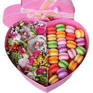 """Elegant box with Macarons"" in the online flower shop flora.od.ua"