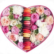 """A Box of Flowers with Macarons"" in the online flower shop flora.od.ua"