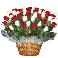 Корзина из 55 роз - цветы и букеты на flora.od.ua