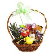 Кошик з продуктами для подарунка - цветы и букеты на flora.od.ua