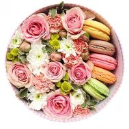 """Macaroons with flowers"" in the online flower shop flora.od.ua"