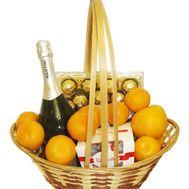 Подарункова корзина з шампанським і фруктами - цветы и букеты на flora.od.ua