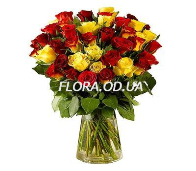 """35 import roses"" in the online flower shop flora.od.ua"