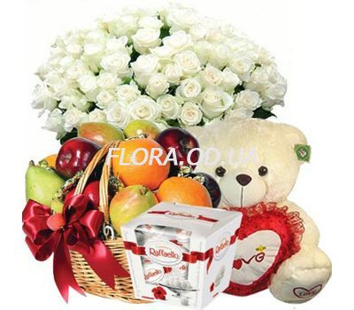 """Bouquet, teddy bear, fruit, Raffaello"" in the online flower shop flora.od.ua"