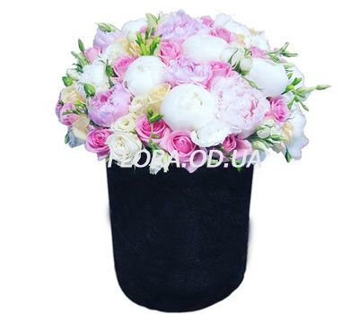 """Bouquet with peonies in a box"" in the online flower shop flora.od.ua"