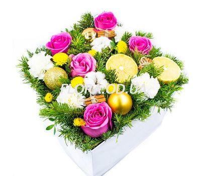 """""""A bouquet in a box for Christmas"""" in the online flower shop flora.od.ua"""