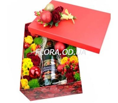 """""""Champagne for the New Year"""" in the online flower shop flora.od.ua"""