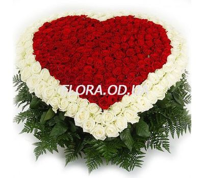 """Heart of 350 roses"" in the online flower shop flora.od.ua"